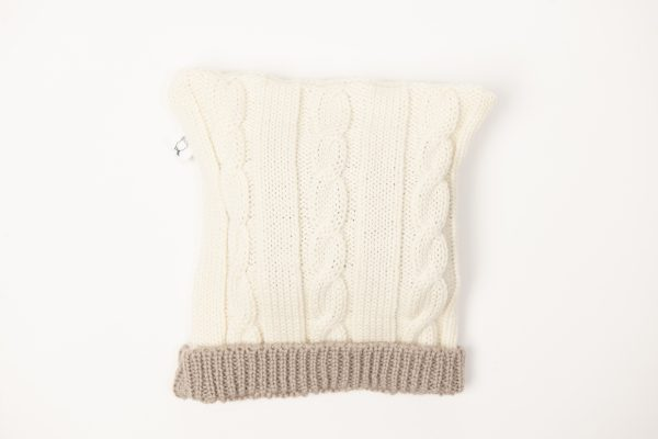 Cream cable knit beanie with latte coloured edging