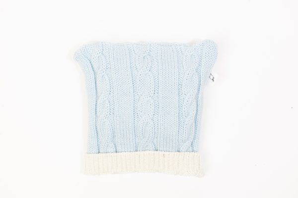 Ice blue cable knit beanie with cream edging