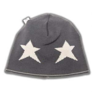 Grey beanie with cream star pattern